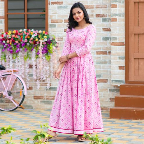 Flamboyant Light Pink Colored Partywear Digital Printed Pure Muslin Gown