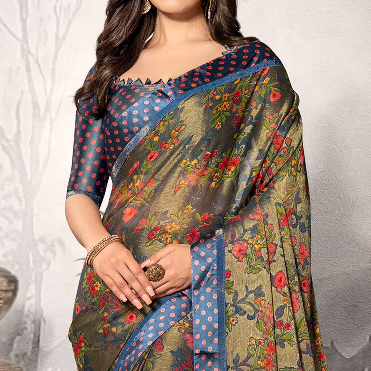 Hypnotic Dark Grey Colored Partywear Printed Chiffon Saree