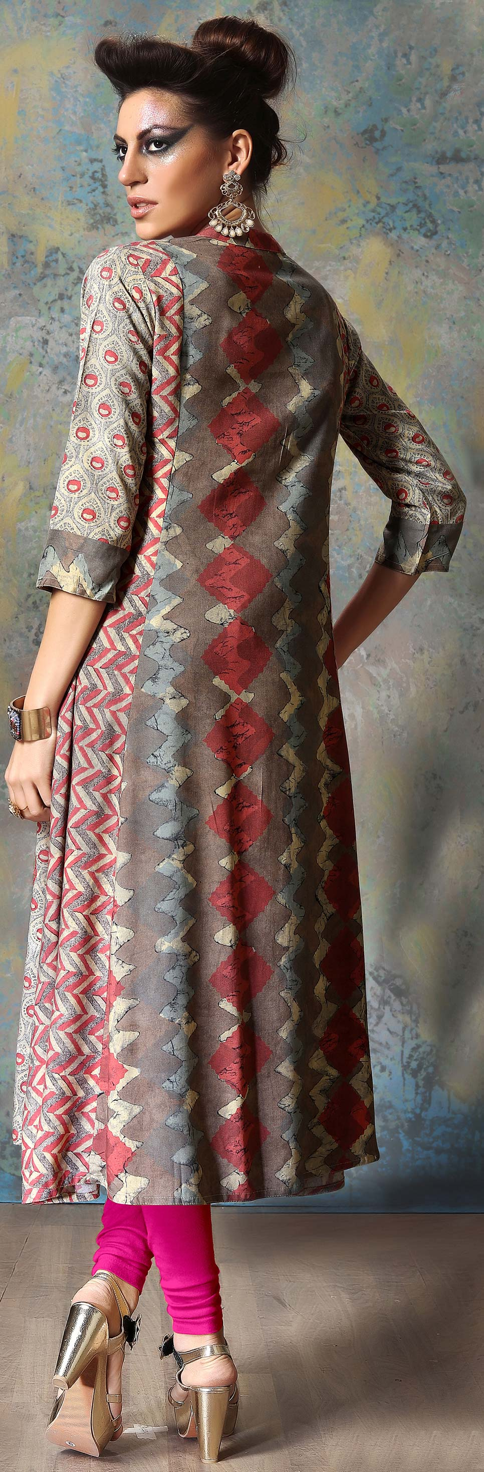 Mesmerising Gray Designer Embroidered Cotton Kurti