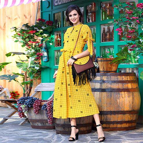 Ravishing Yellow Designer Printed Khadi Cotton Kurti With Complimentary Purse