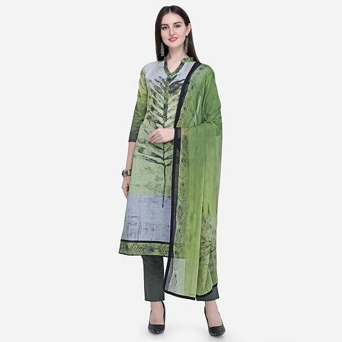 Stylee Lifestyle - Green Colored Casual Wear Printed Cotton Dress Material