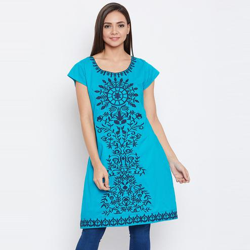 Aarudi Fashion - Women's Blue Colored Embroidered Cotton Kurti With Lining