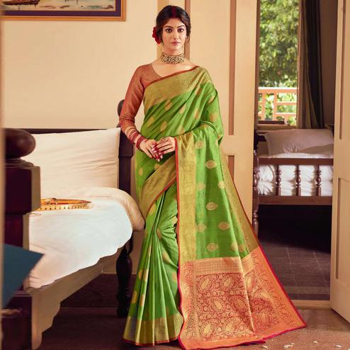 Attractive Green Colored Festive Wear Woven Handloom Silk Saree