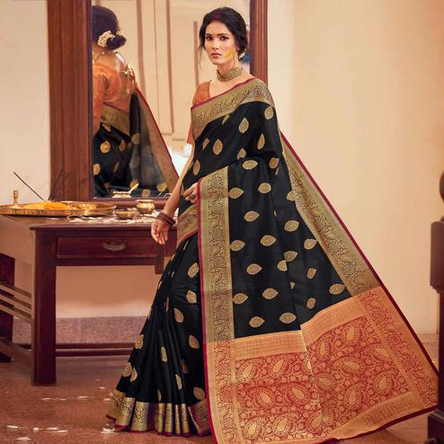 Beautiful Black Colored Festive Wear Woven Handloom Silk Saree