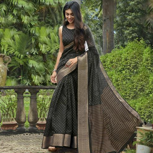 Ravishing Black Colored Festive Wear Printed Cotton Saree With Tassels