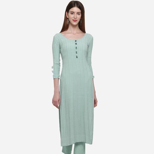 Blissful Pastel Green Colored Casual Wear Printed Cotton Kurti