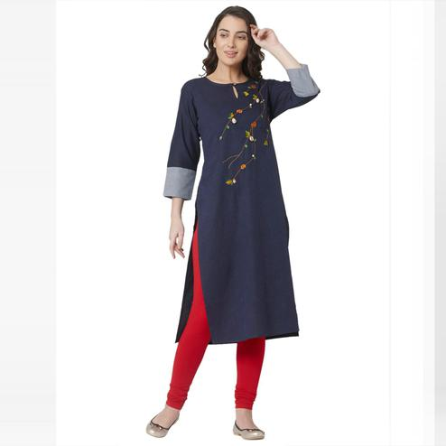 Flaunt Navy Blue Colored Casual Wear Printed Cotton Kurti