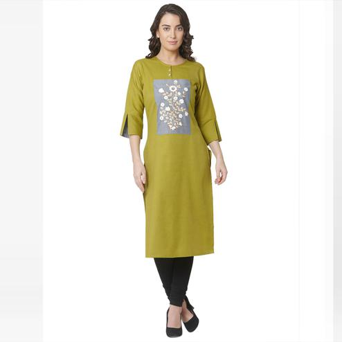 Jazzy Green Colored Casual Wear Printed Cotton Kurti