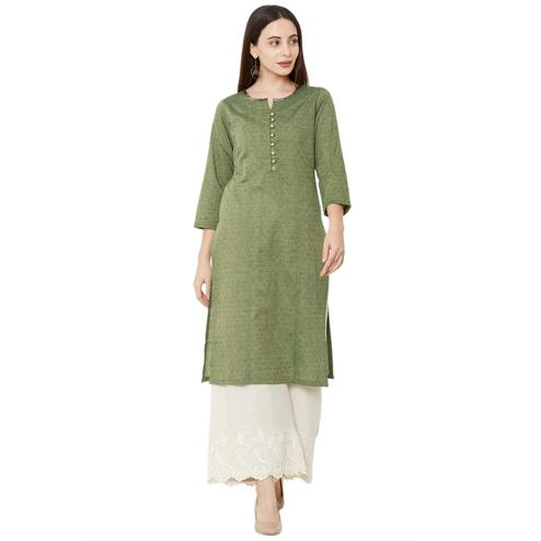 Mesmerising Green Colored Casual Wear Solid Cotton Kurti