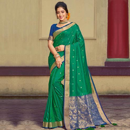 Excellent Green Colored Festive Wear Woven Handloom Silk Saree With Tassels