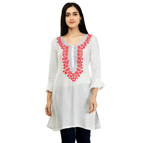 SAAKAA - Women's Rayon White Embroidery Kurti