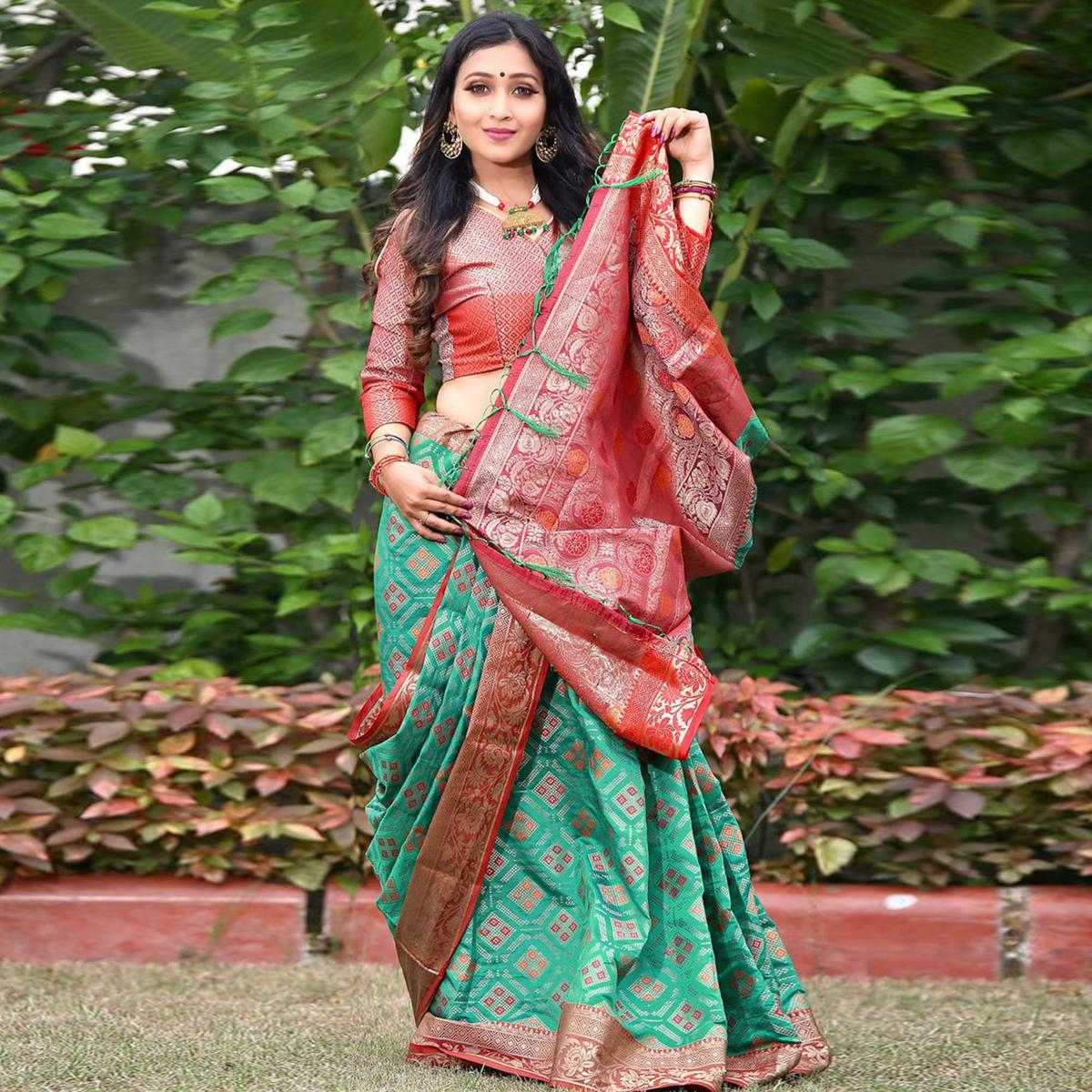 Energetic Pink Colored Festive Wear Woven Silk Saree