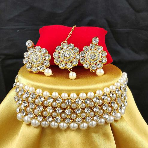 Zaffre Collections - Trendy White Crystal and Pearl Choker Combo with Maang Tikka for Women and Girls