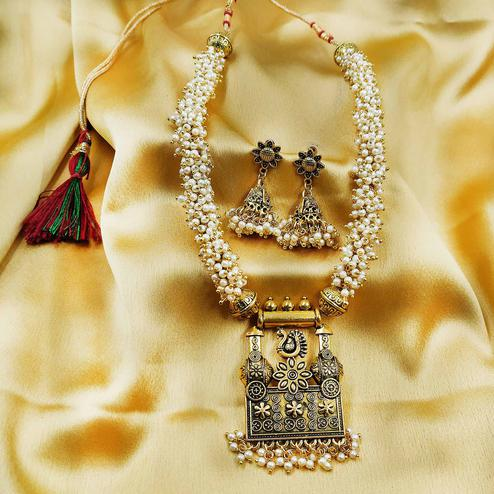 Zaffre Collections - Wedding Wear Gold Pendant Necklace Set for Women and Girls