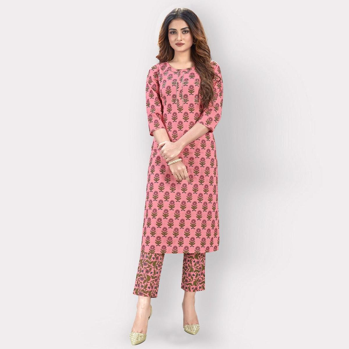 Vbuyz - Women's Pink Colored Flower Printed Straight Cotton Kurti With Pant Set