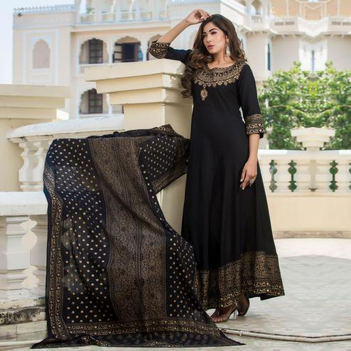 Zyla - Black Colored Casual Printed Rayon Anarkali Kurti With Dupatta
