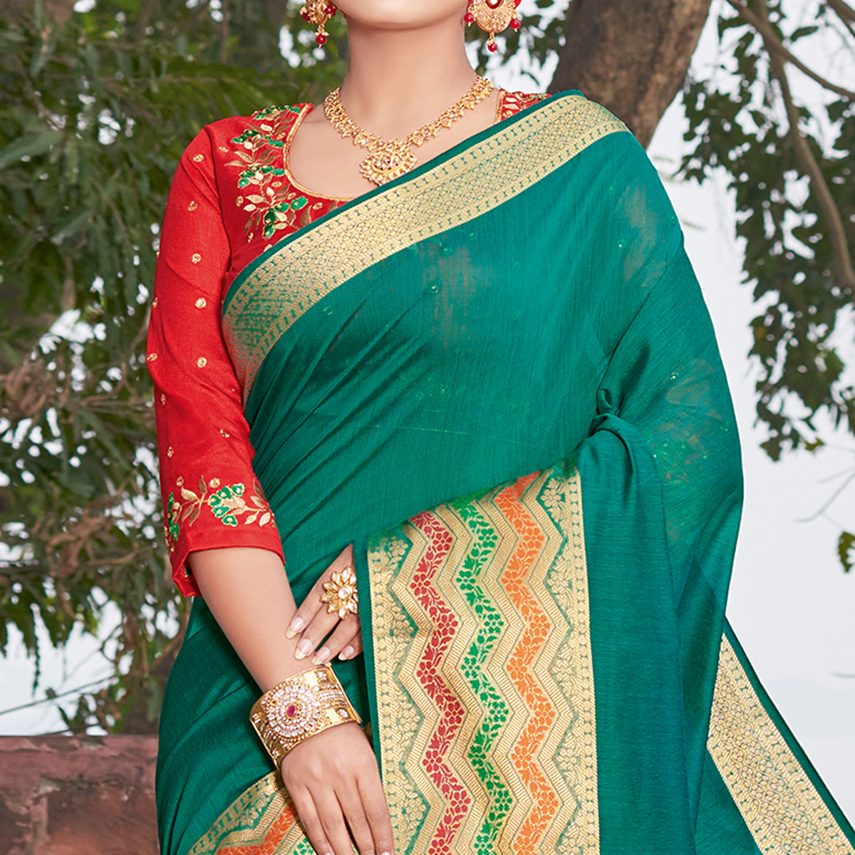 Mesmeric Turquoise Green Colored Festive Wear Woven Handloom Silk Saree
