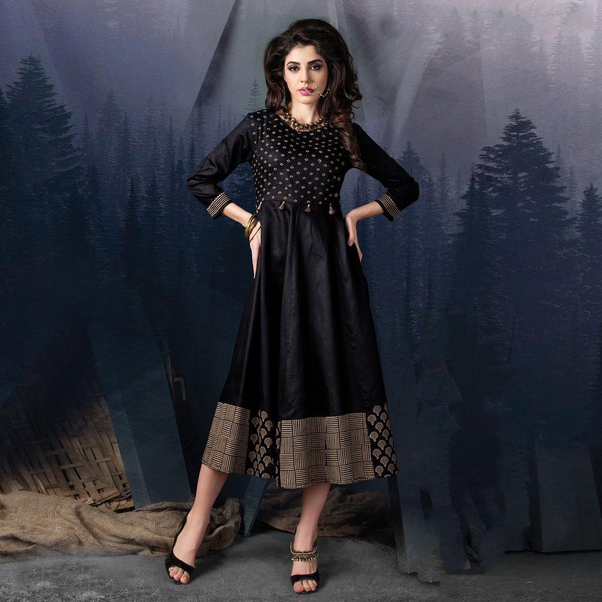 Trendy Black Designer Partywear Printed Cotton Kurti