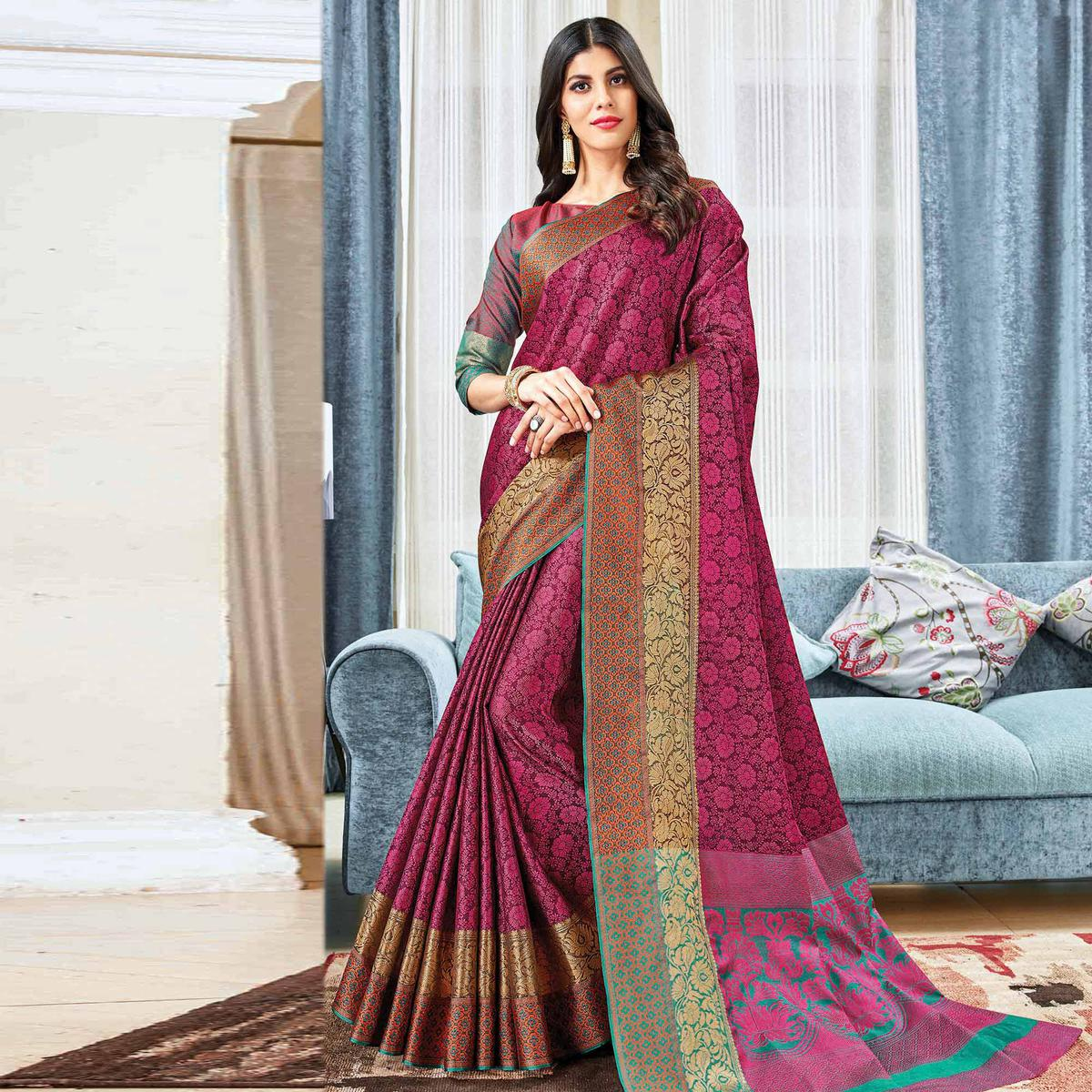 Sophisticated Purple Colored Festive Wear Woven Handloom Silk Saree