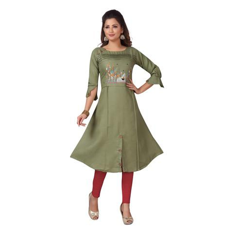 MAJESTIN Ladies Green Colored Casual Embroidered Knee Length Cotton Kurti