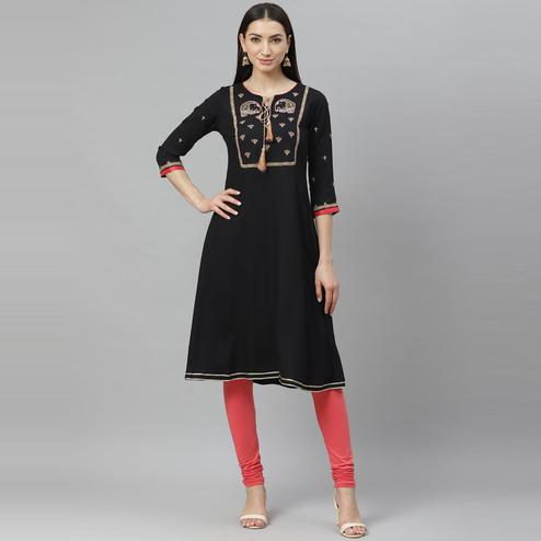 Myshka - Women's Black Rayon Printed  3/4 Sleeve Round Neck Casual Kurti