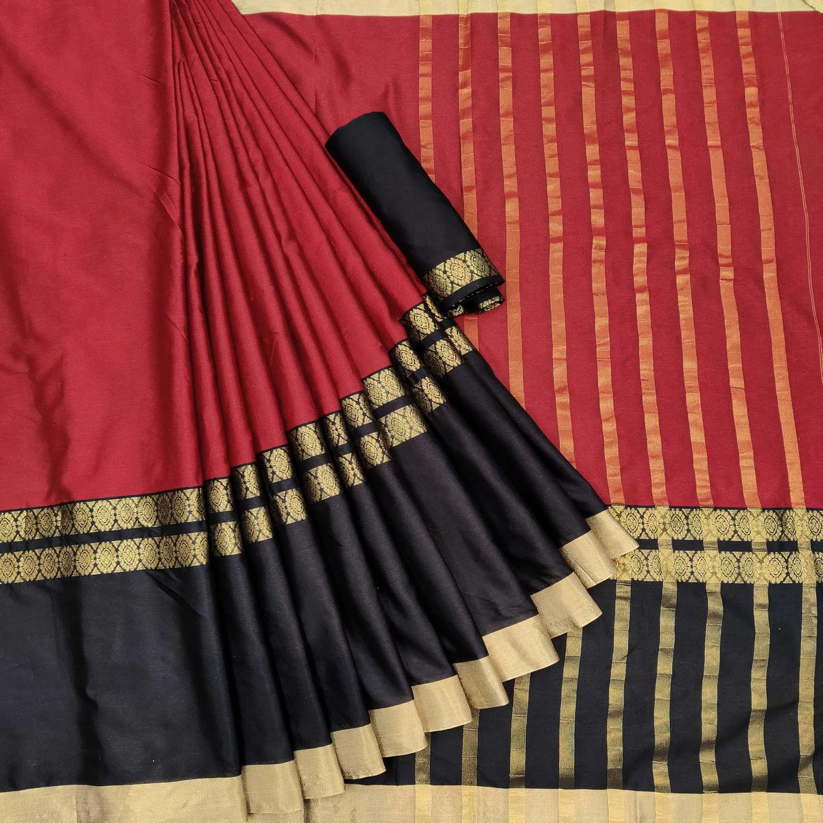 Refreshing Red Colored Festive Wear Woven Pure Cotton Saree