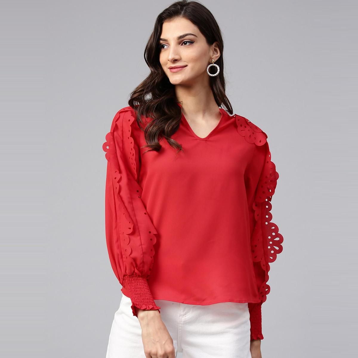 Zima Leto - Women's Solid Top With Laser Cut Sleeves