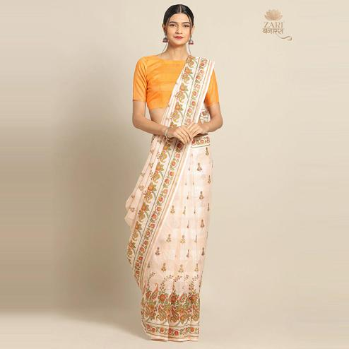 Innovative Peach Colored Casual Wear Floral Printed Linen Saree