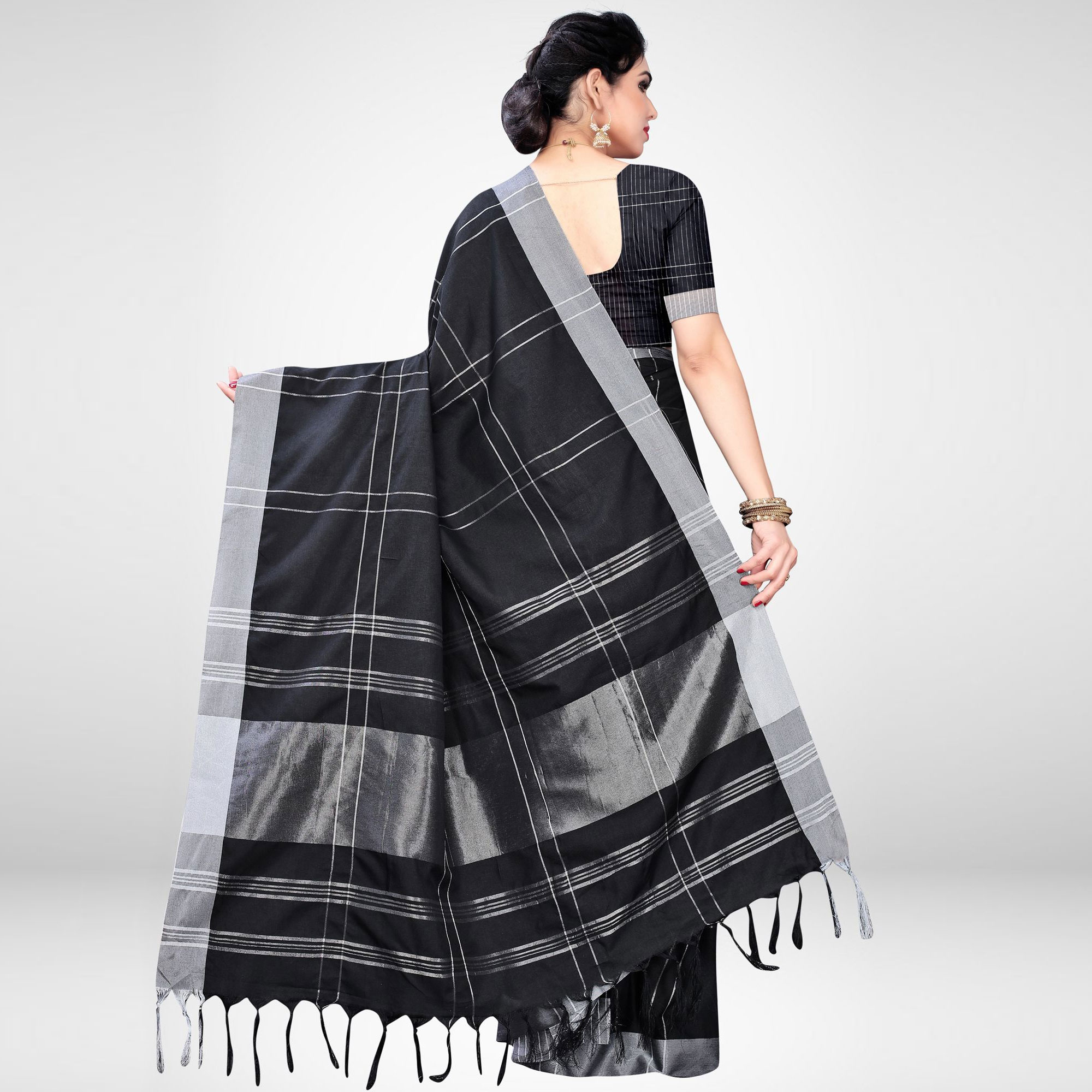 Glorious Black Colored Casual Wear Printed Cotton Blend Saree