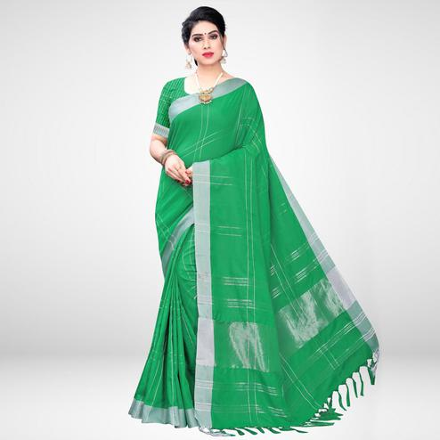 Attractive Green Colored Casual Wear Printed Cotton Blend Saree