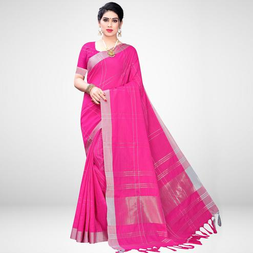 Beautiful Pink Colored Casual Wear Printed Cotton Blend Saree