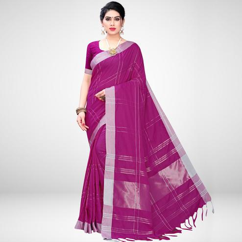 Delightful Magenta Colored Casual Wear Printed Cotton Blend Saree