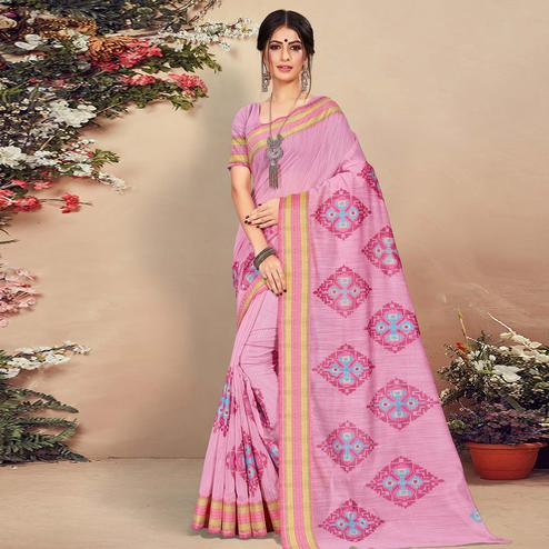Surpassing Pink Colored Casual Wear Floral Printed Cotton Saree