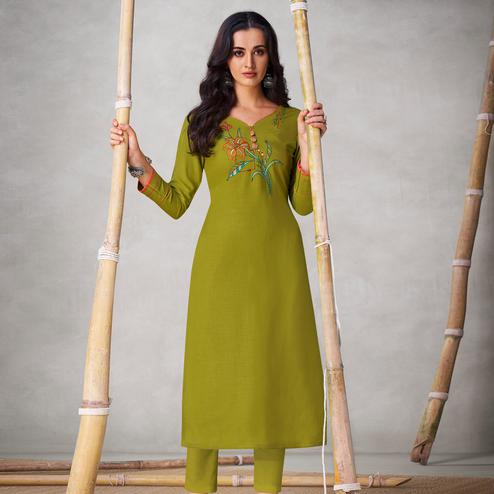 Imposing Green Colored Partywear Embroidered Viscose Kurti