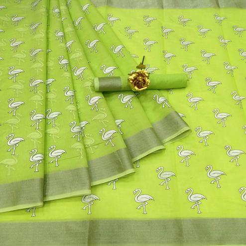 Radiant Green Colored Casual Wear Printed Cotton Linen Saree