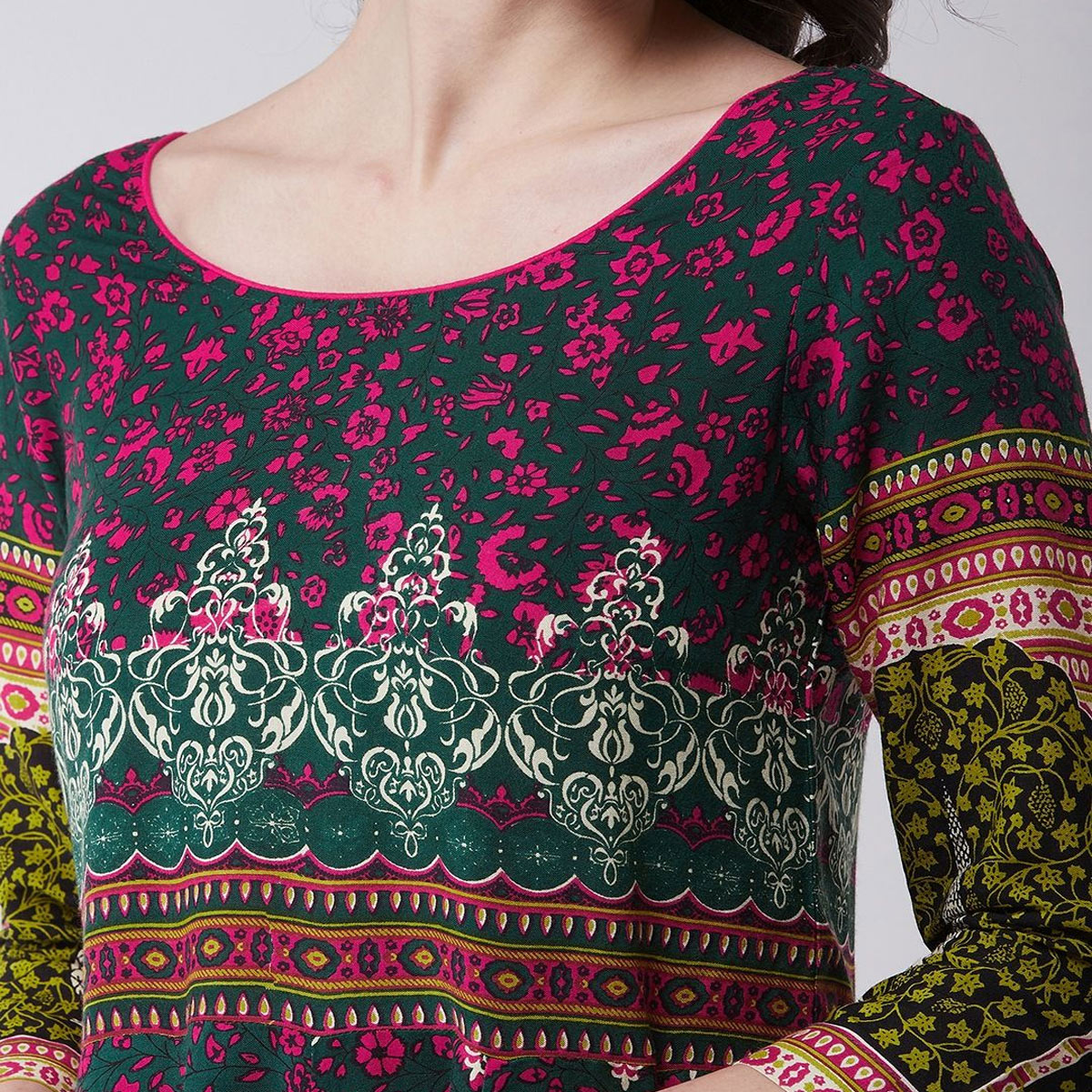 Pannkh - Women's Green Colored Mughal Printed Rayon Flared Kurti With Tie-dye Dupatta