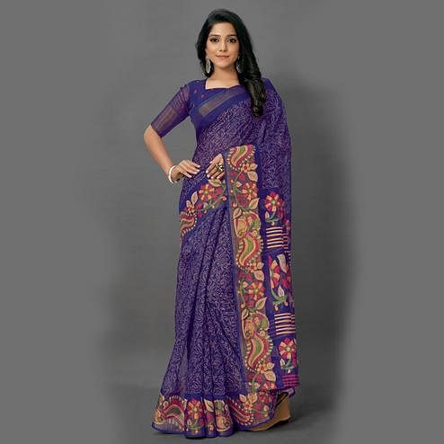 Mesmeric Navy Blue Colored Casual Wear Printed Cotton Saree