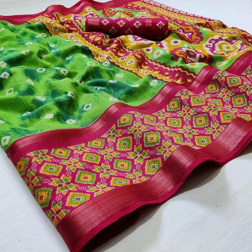 Flattering Green Colored Casual Wear Printed Cotton Saree