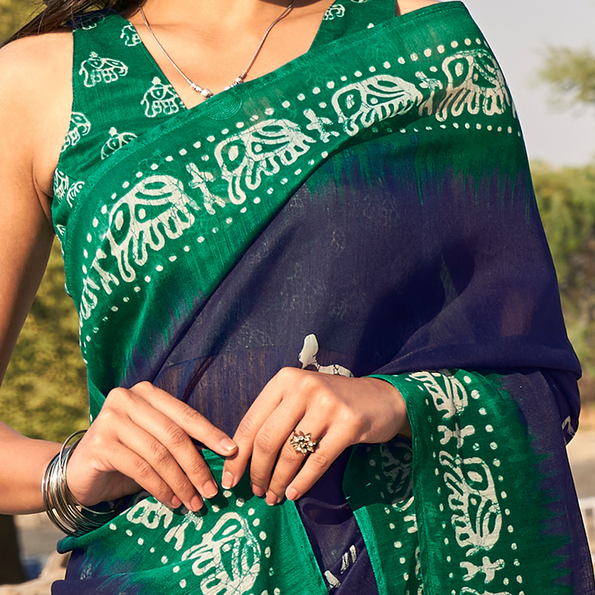 Elegant Navy Blue - Green Colored Casual Wear Printed Fancy Linen Saree