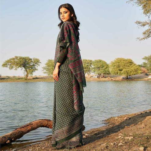 Energetic Dark Green Colored Casual Wear Printed Fancy Linen Saree