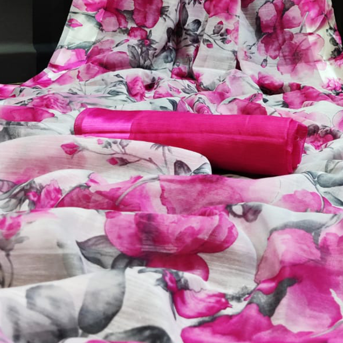 Sophisticated White - Pink Colored Casual Wear Floral Printed Linen Saree