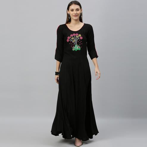 Globon Fashion - Women Solid Rayon Black Anarkali Kurti