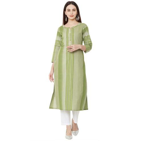 Flattering Green Colored Casual Wear Checkered Cotton Kurti