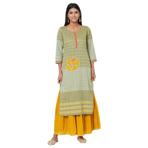 Blissful Green Colored Casual Wear Embellished Cotton Kurti