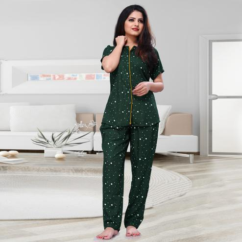 Gleaming Dark Green Colored Printed Cotton Rayon Night Suit