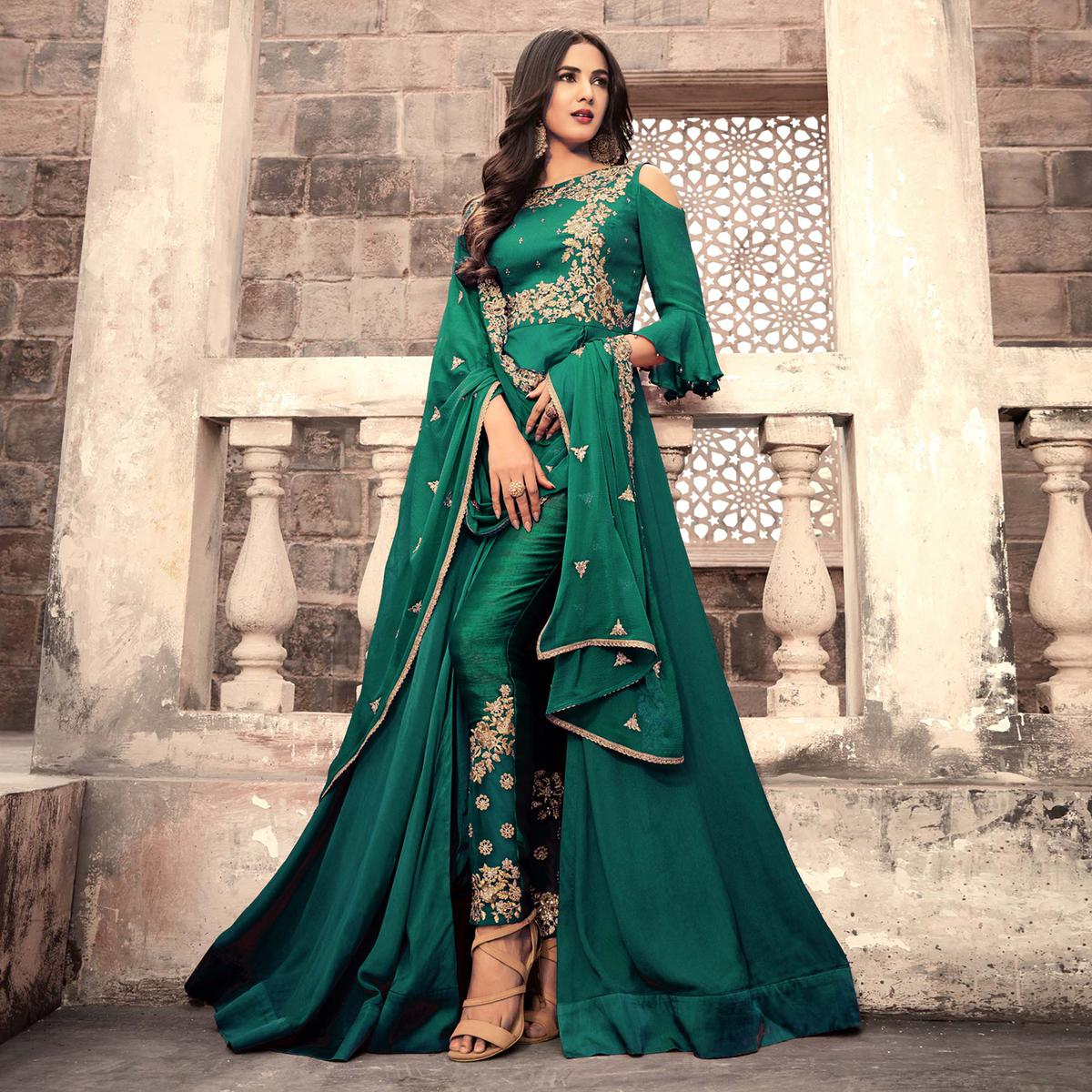 Attractive Green Colored Designer Partywear Embroidered Georgette Anarkali Suit