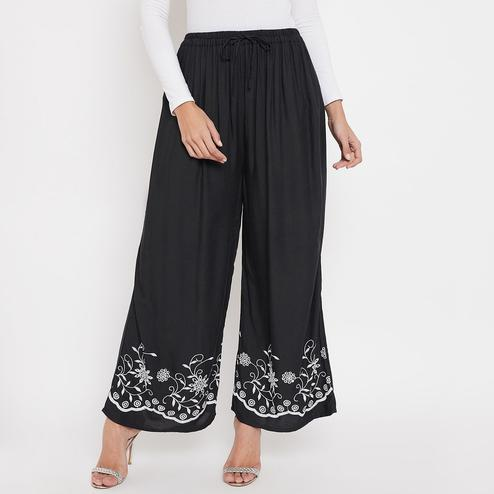 Sethi Daughters - Women Black Color Plain Rayon Embroidered Palazzo