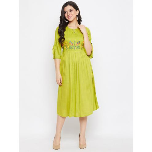Winered -  Women Green Embroidered Rayon Kurti