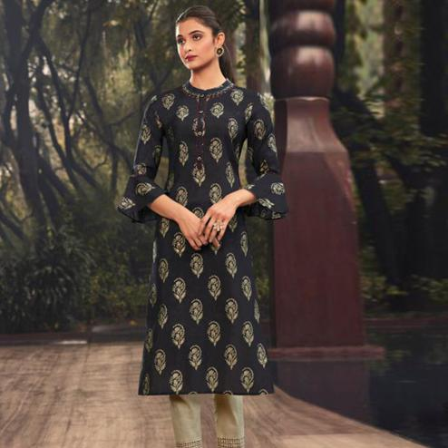 Prominent Black Colored Casual Wear Printed Muslin Kurti
