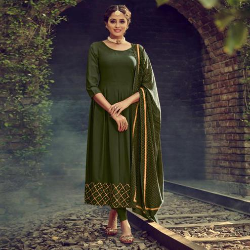 Ethnic Mehendi Green Colored Partywear Solid Cotton Kurti With Dupatta